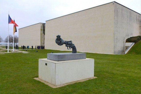 Memorial Caen - non violence sculpture