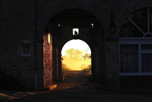 Haras du Gazon archway in autumn 2